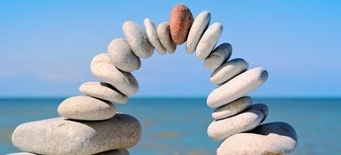 L'uomo moderno è confuso e frammentato… perso nella ricerca della propria interezza ed equilibrio…