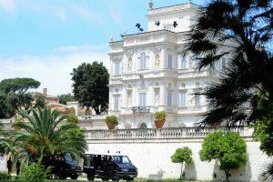 Governo: villa Pamphilj… ma davvero è solo uno show, in una dimensione separata dalla realtà?