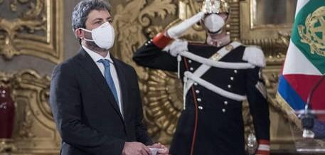 Governo: la grande scoperta è che per fare un governo ci vuole Renzi. Lui ha dichiarato una guerra totale per rottamare tutto e tutti, pensando a un dream team senza Conte. Mattarella incarica Fico d'esplorare come si può chiudere la crisi…
