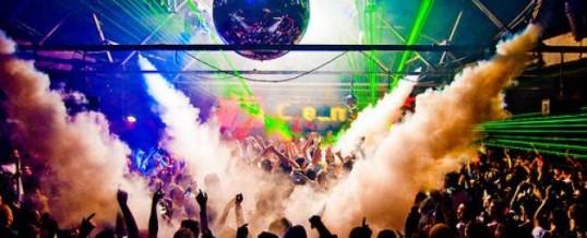 Italia: Un'estate sempre più paradossale. Nasce il partito della libera Discoteca e va in onda la tragedia di un Paese dove il divertimento diventa un diritto costituzionale…